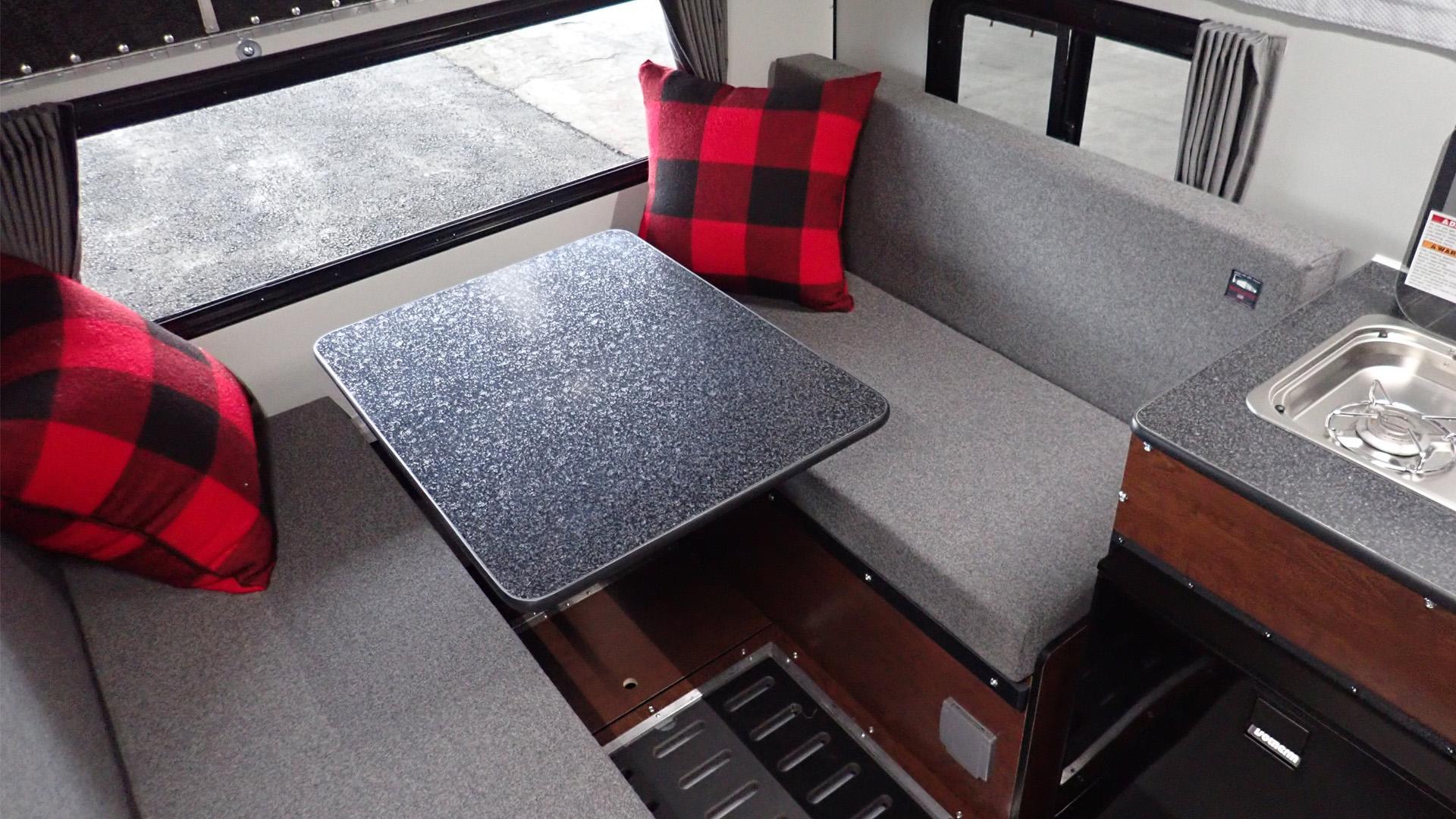 Grandby Flat Bed Woolrich Model Interior